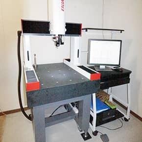CCDカメラ併用型三次元測定機